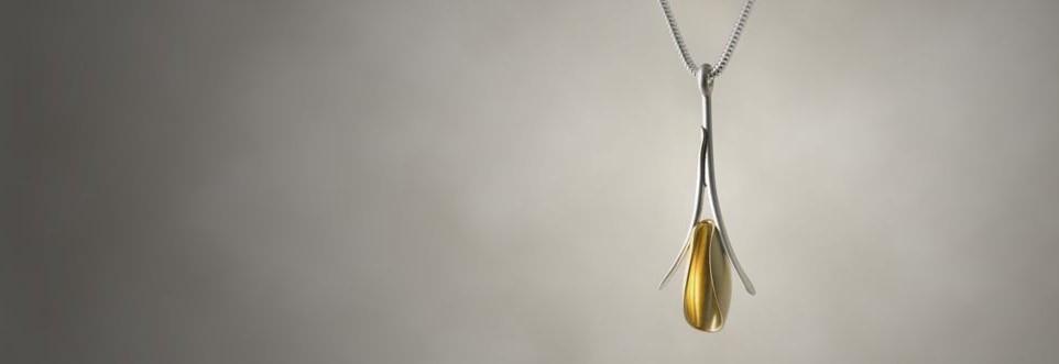 Aria pendant